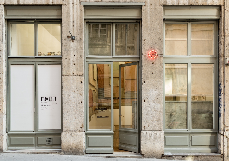 N on diffuseur d art contemporain for Neon artiste contemporain