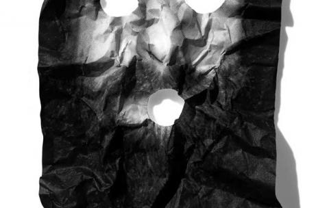 <p>Olivier Morvan, <strong><em>Appel</em></strong>, 2010, sérigraphie à 60 exemplaires numérotés et signés, 102x70cm. Vue de l'exposition <em>Points Noirs</em>, Néon, Lyon, 2010. Photo : JAC / Néon, 2010.</p>