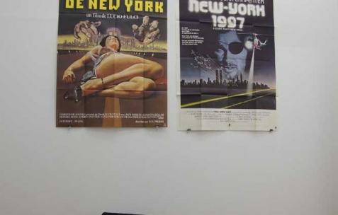 <p>Dodeskaden, accrochage quotidien (ici le 22.04.11) de la collection d&rsquo;affiche de Marco XXX. Vue de l'exposition <em>Série A B Z et VHS</em>, Néon, Lyon, 2011. Photo : JAC / Néon.</p>