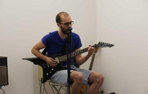 <p>Vue du concert à l'occasion de l'exposition <em>Commune</em>, Néon, Lyon, 2011. Photo : JAC / Néon, 2011.</p>
