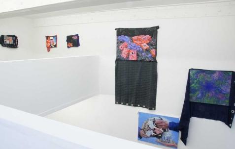 <p>Vue de l&rsquo;exposition de Simon Bergala, Néon, Lyon, 2011. Photo : JAC / Néon.</p>