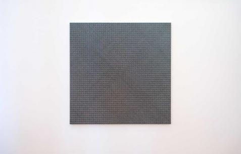 <p>Hugo Pernet, <strong><em>Mono 3</em></strong>, 2011, acrylique sur toile, 150x150cm. Vue de l&rsquo;exposition <em>Mute</em>, Néon, Lyon, 2011. Photo : Hugo Pernet / Néon.</p>
