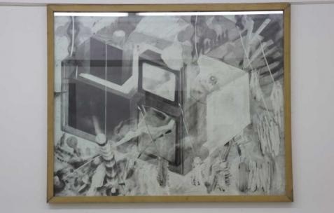 <p>Philip Vormwald, <strong><em>Tv set</em></strong>, 2011, graphite sur papier, 90x120cm. Vue de l'exposition <em>Précurseurs-sombres</em>, Néon, Lyon, 2012. Photo : JAC / Néon.</p>