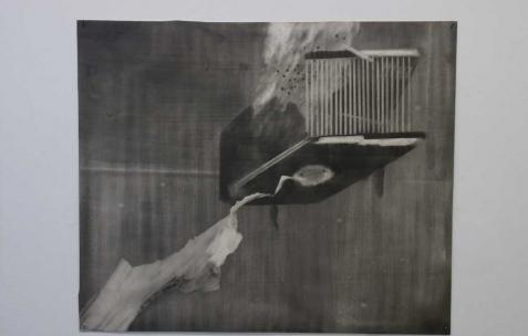 <p>Philip Vormwald, <strong><em>Outils de constructions</em></strong>, 2011, graphite sur papier, 40x60cm. Vue de l&rsquo;exposition <em>Précurseurs-sombres</em>, Néon, Lyon, 2012. Photo : JAC / Néon.</p>