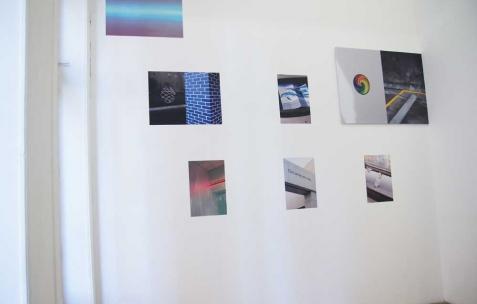 <p>Aurélien Arbet &amp; Jérémie Egry, série <strong><em>Stranger</em></strong>, 2011-2012, impressions digitales, 40×60cm, édition de 10+2 EA. Vue de l'exposition <em>Chute Libre</em>, Néon, Lyon, 2012. Photo : Arbet &amp; Jérémie Egry / Néon, 2012.</p>