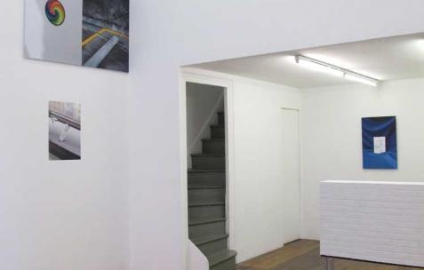 <p>Vue de l'exposition <em>Chute Libre</em>, Néon, Lyon, 2012. Photo : Arbet & Jérémie Egry / Néon, 2012.</p>