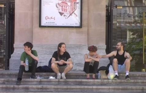 <p>Quentin Maussang, <strong><em>commune</em></strong>, 2011, image extraite de la vidéo, 25min.</p>