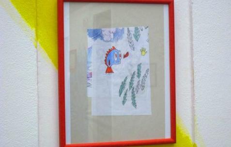 <p>Quentin Maussang, <b><i>Goodbye Farewell</i></b>, 2013, aquarelle et feutre encadrée, 31x26cm. Vue de l'exposition <i>Être une chose</i>, Néon, Lyon, 2014. Photo : Néon, 2013.</p>