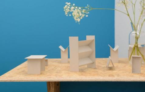 <p>Théophile's Papers, maquettes des différents meubles pour les <em>Panorama</em> (librairies pop up) réalisés entre 2011 et 2014. Théophile's Papers en résidence chez Néon 2014 – 2016. Vue de l'exposition <em>About book</em> <em>– A/F</em>. Photo : Anne Simonnot / Néon, 2014.</p>