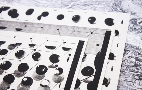 <p>Olivier Morvan,<em>Very small deal #3,</em> <em><strong>X/Y/Z (Remix) </strong></em>(détail), 2012, photocopie, A4, 60 exemplaires, numérotés et signés. Photo : Valentin Defaux / Néon, 2016.</p>
