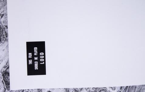 <p><strong><em>pizza noise mafia néon 22.01-19.03.2016 vernissage 21.01 19h concert 18.02 21h à partir d'une invitation à christophe de rohan chabot</em></strong> (détail), format d'exposition: publication, 12 feuilles, A4, pochette en plastique, premier tirage à 50 exemplaires, édition: Néon, 2016.</p>