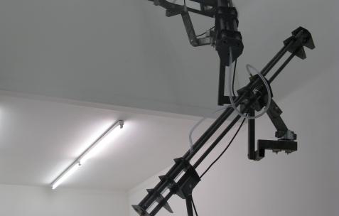 <p>Jean-Alain Corre, <strong><em>Generatorscape </em></strong>(détail), 2009, acide, graisse, lessive, moteur, compresseur, plastique, dimensions variables. Vue de l'exposition <em>A Johnny Machine</em>, Néon, Lyon, 2009</p>