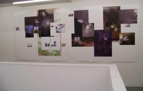 <p>Jean-Alain Corre, <strong><em>Aridland</em></strong>, 2009, impression jet d'encre, 3,6×1,5m. Vue de l'exposition <em>Mineral Murder,</em> Néon, Lyon, 2009. Photo: JAC.</p>